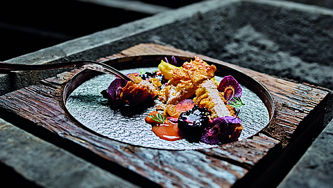 Breast of guinea fowl with cornflakes and berries