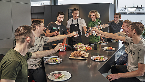 Performance-optimising nutrition in the world of professional cycling