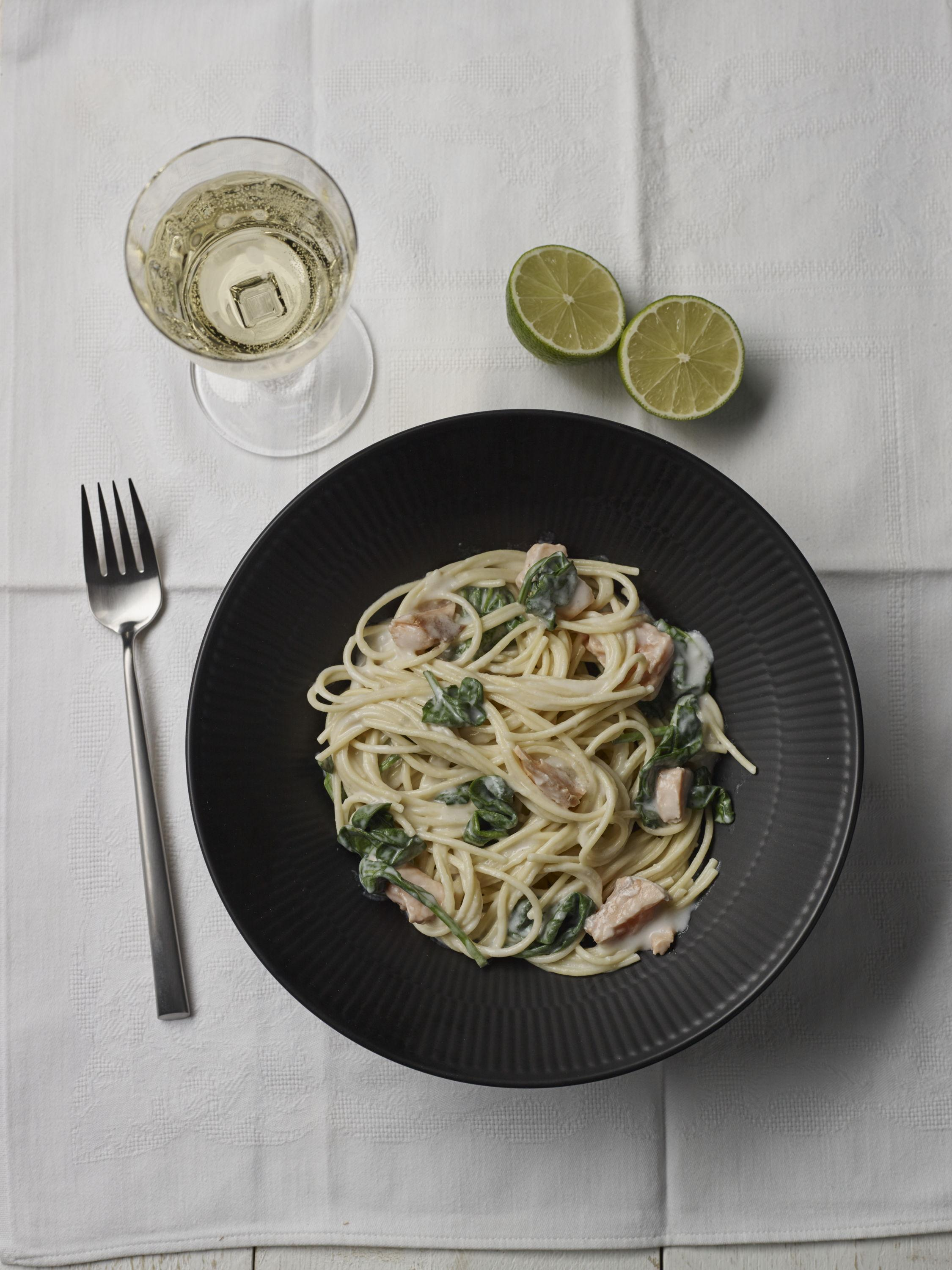 Spaghetti with coconut and spinach sauce from the 10 | 10 retailer edition