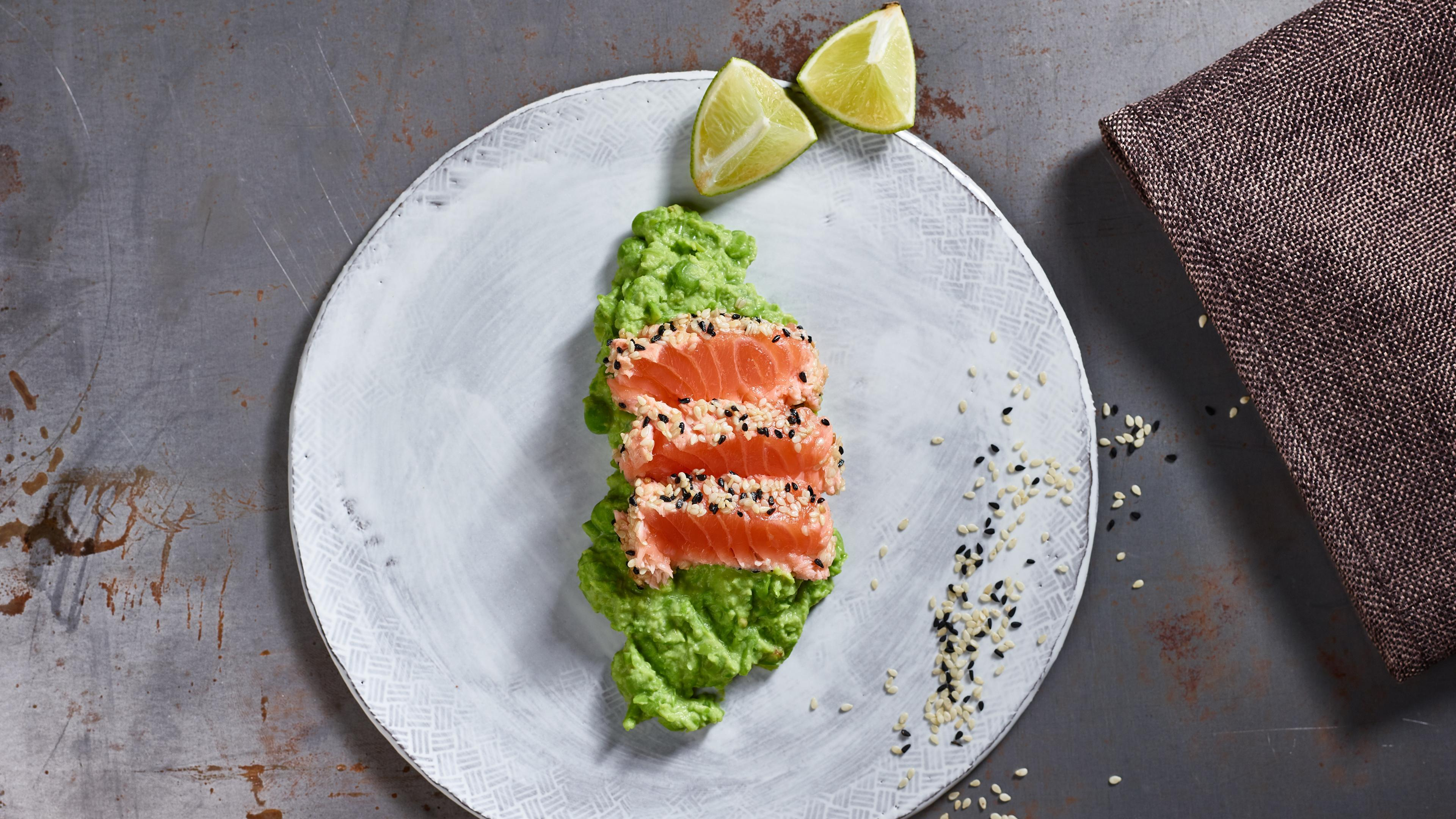 Salmon and sesame sashimi with a pea and wasabi purée