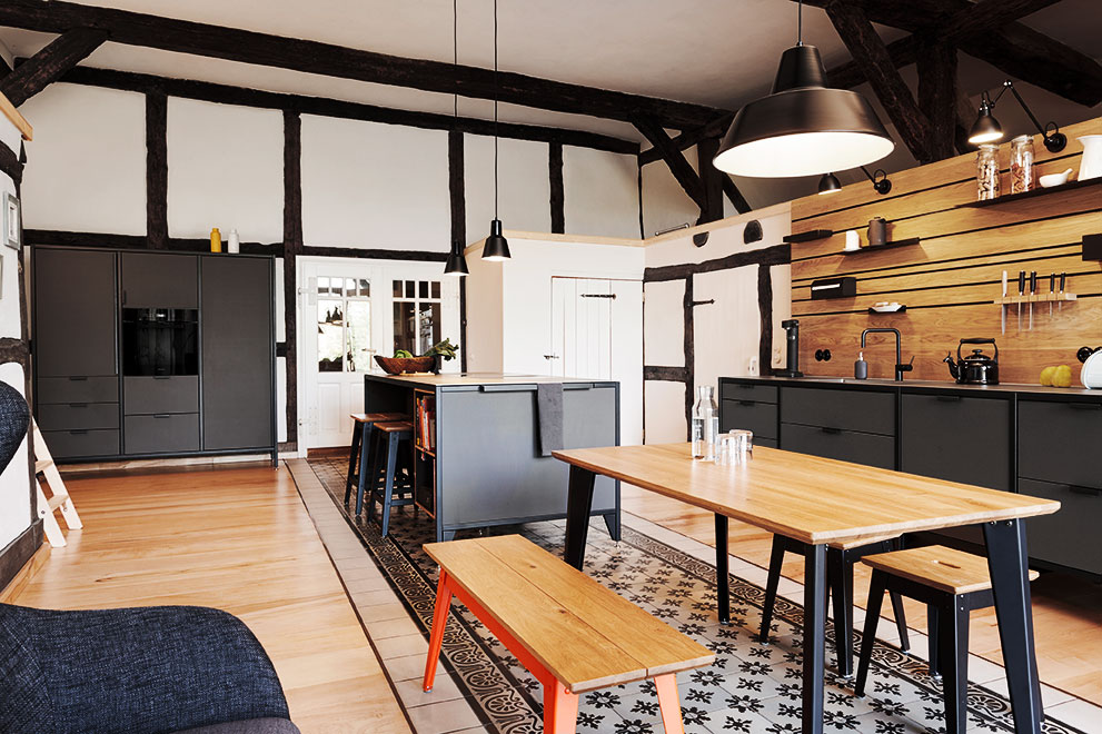 Industrial design in a listed farmhouse