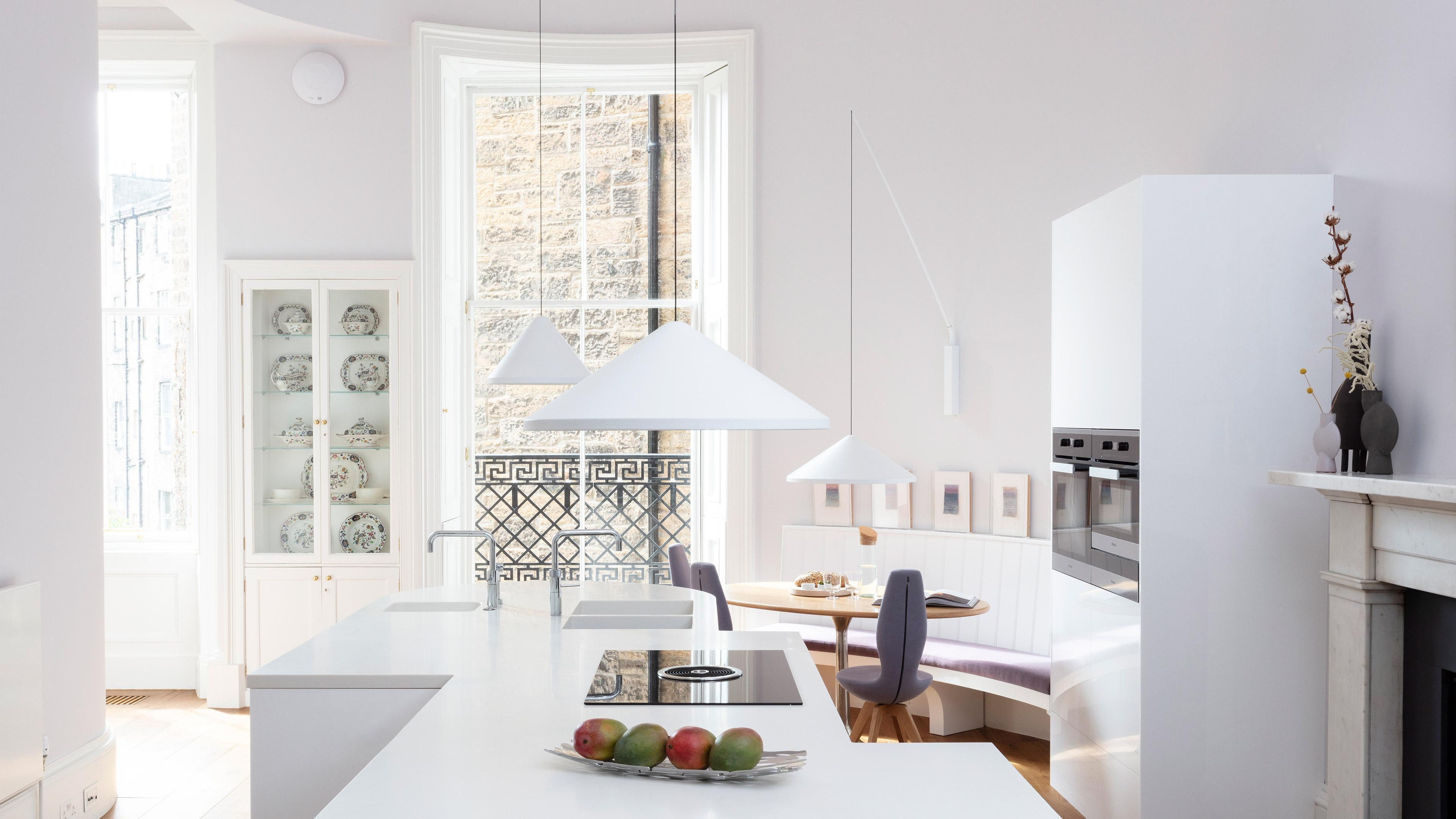 FROM A SIMPLE OFFICE TO A STYLISH COOKING PARADISE