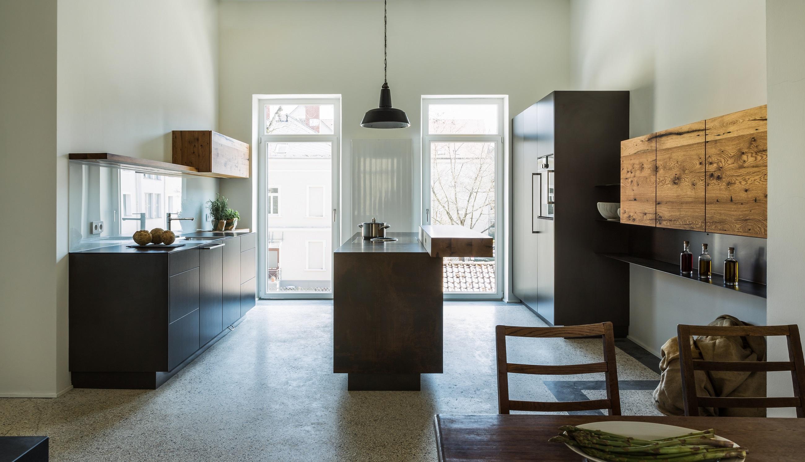 stahl trifft holz kubistisch klar mit warmen akzenten bora. Black Bedroom Furniture Sets. Home Design Ideas
