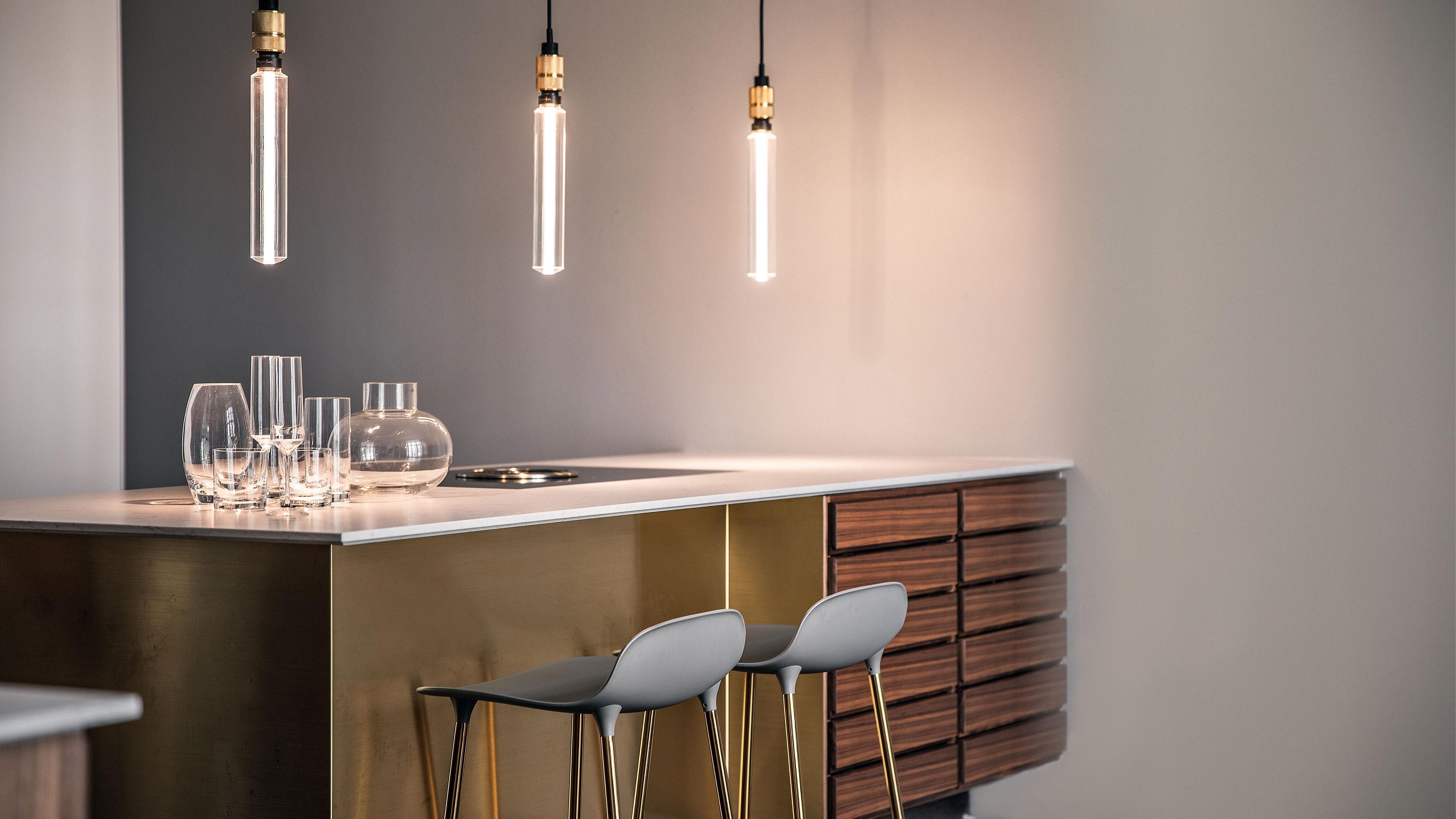 WHEN THE KITCHEN SEEMS TO FLOAT ON THIN AIR