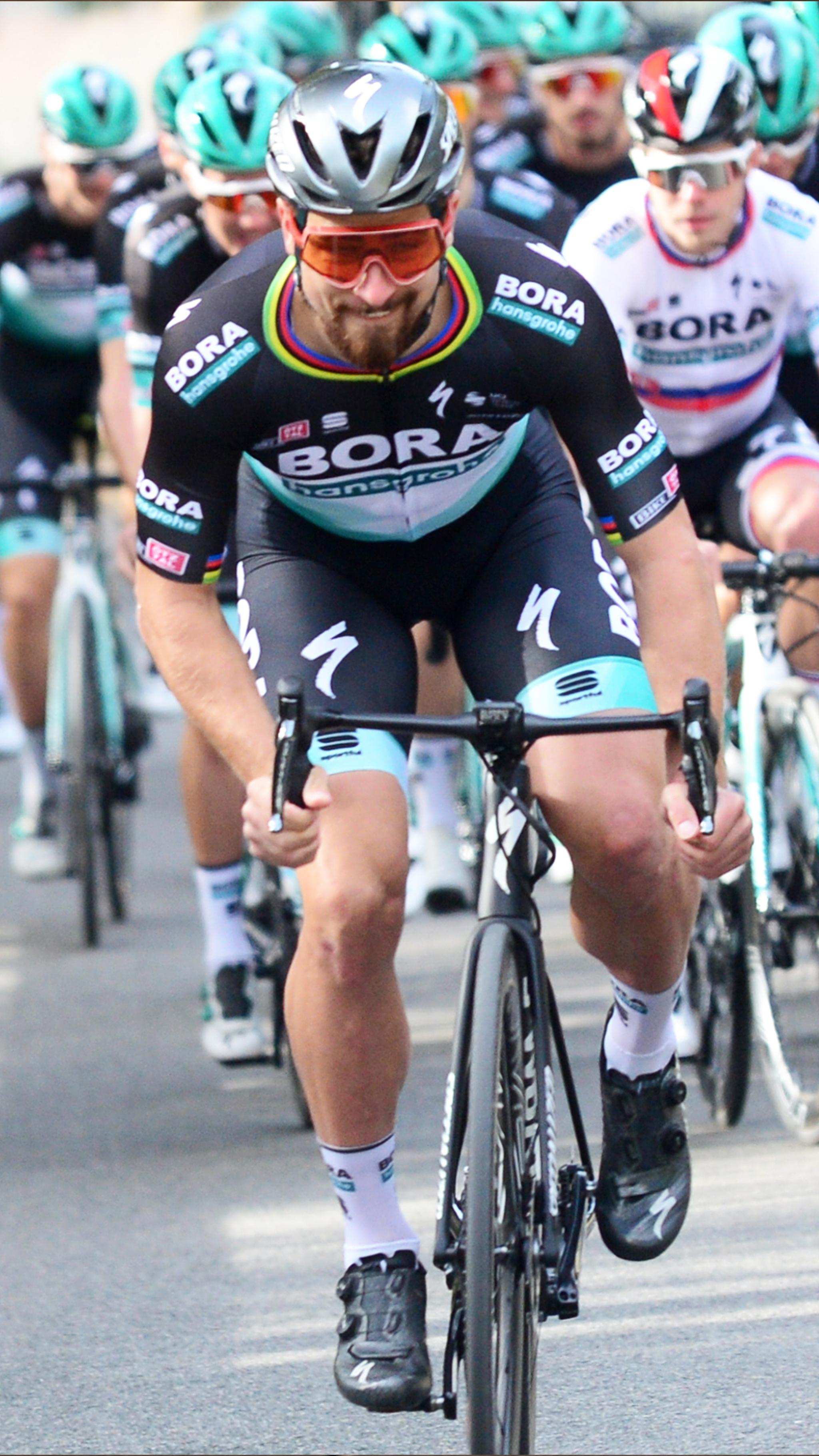 bora-com_Header_Cycling-Team_2048x3639px_mobile.jpg