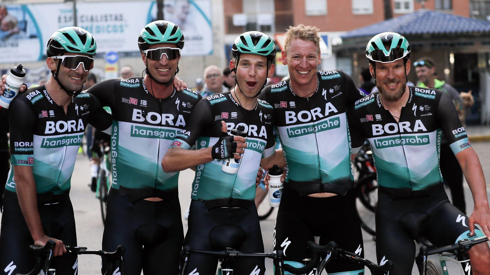 6___bettiniphoto_0439870_BORA-hansgrohe_Team.jpg