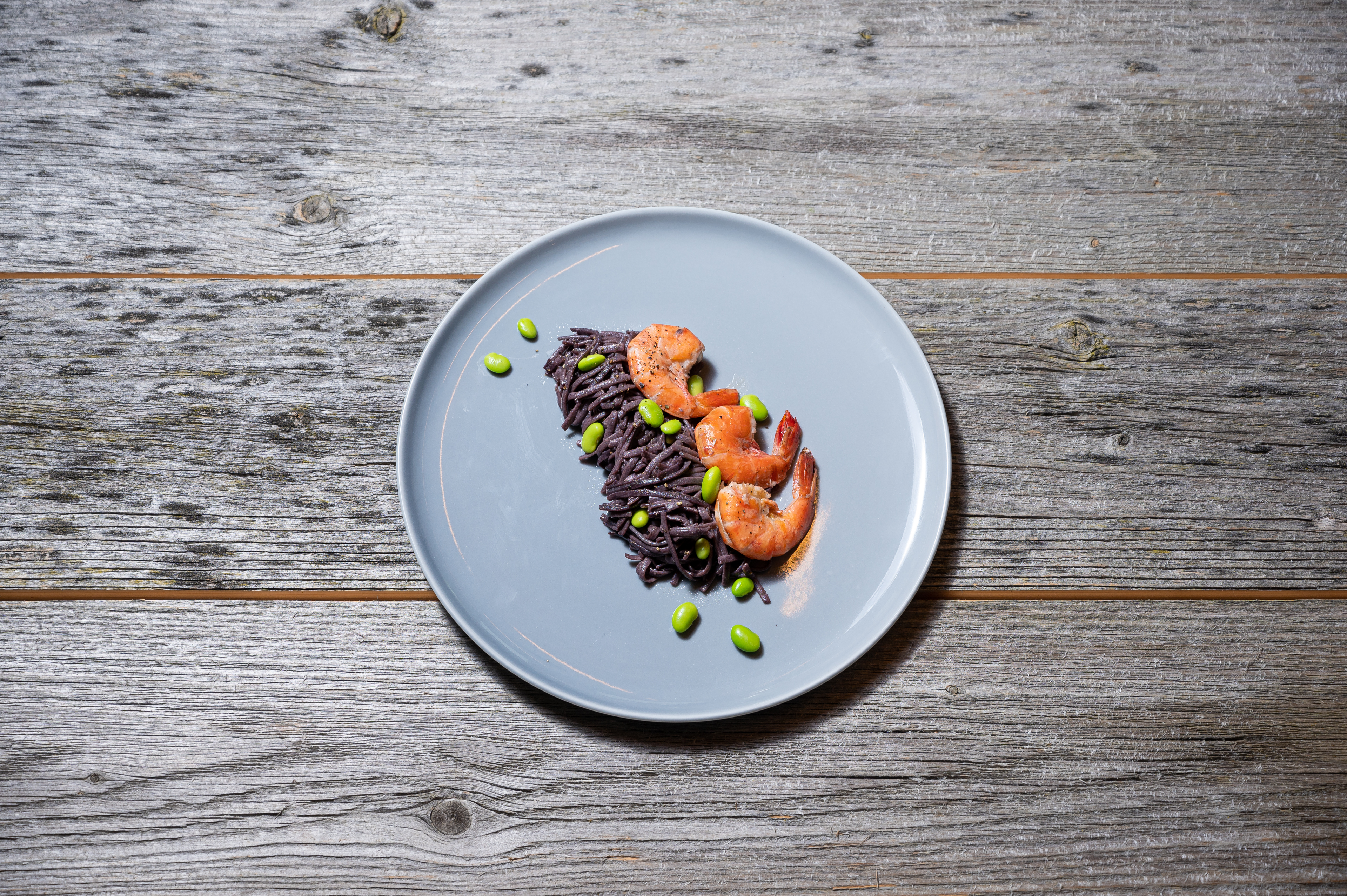 Black rice noodles with prawns, edamame and lime sauce